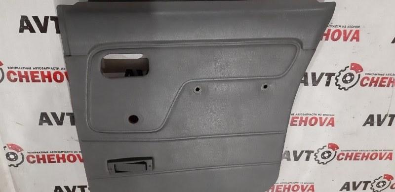 Обшивка двери Nissan Datsun RMD22-001532 QD 32 1997 задняя правая