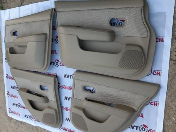 Обшивка двери (комплект) Nissan Tiida C11-306945 HR15DE 2009