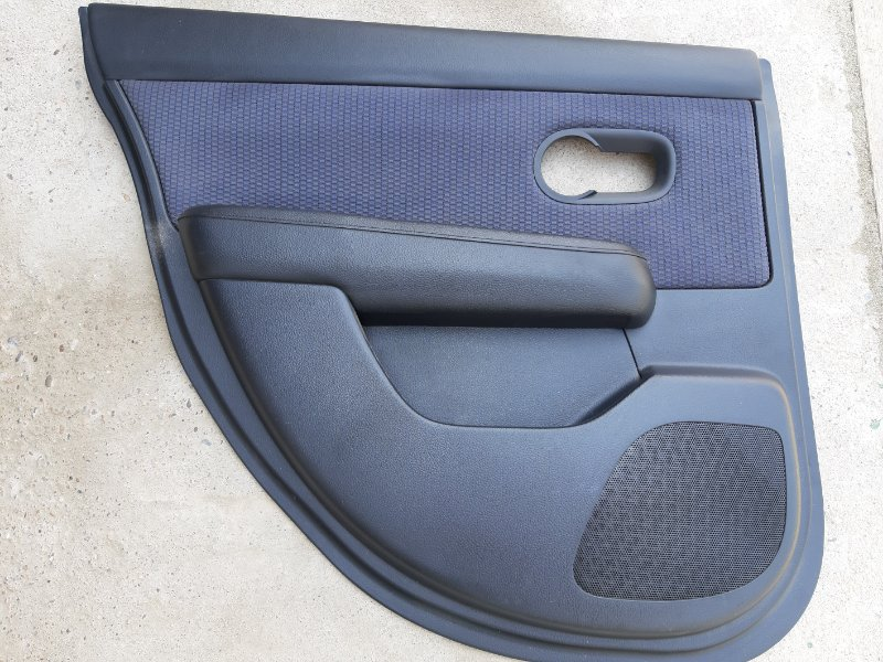 Обшивка двери Nissan Tiida C11-122153 HR15 2006 задняя левая