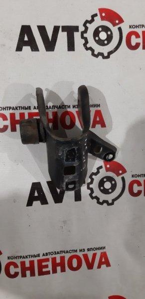 Кронштейн опоры двигателя Toyota Ipsum SXM10-7122031 3S-FE 2000