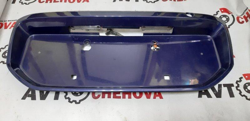Рамка для крепления номера Toyota Ipsum SXM10-7122031 3S-FE 2000 задняя