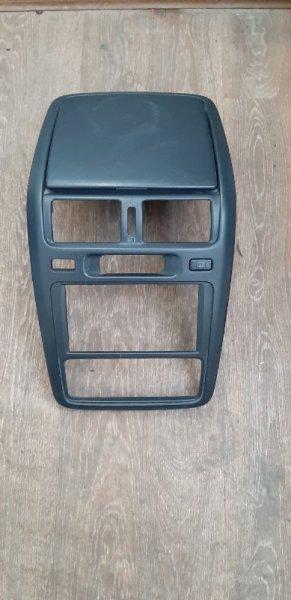 Центральная консоль Toyota Ipsum SXM10-7122031 3S-FE 2000 передняя
