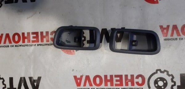 Накладка на ручку двери внутреняя Toyota Ipsum SXM10-7122031 3S-FE 2000 задняя