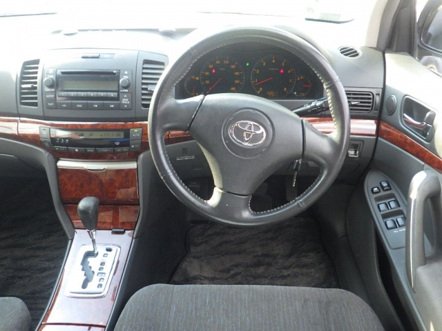 Панель приборов Toyota Allion ZZT245-0030866 1ZZFE 2005