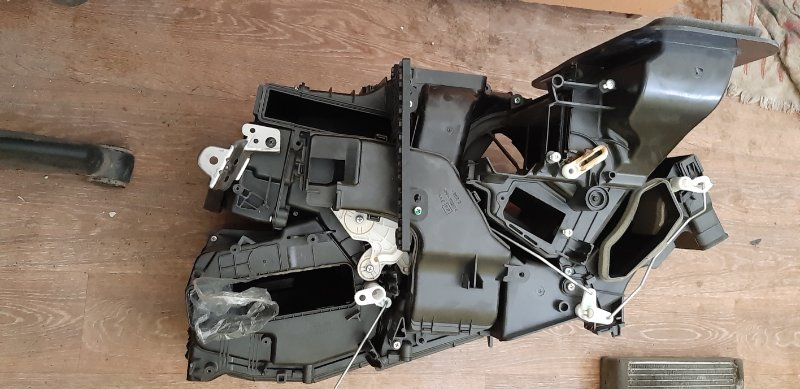 Корпус печки Nissan Tiida Latio SC11-204171 HR15 2009