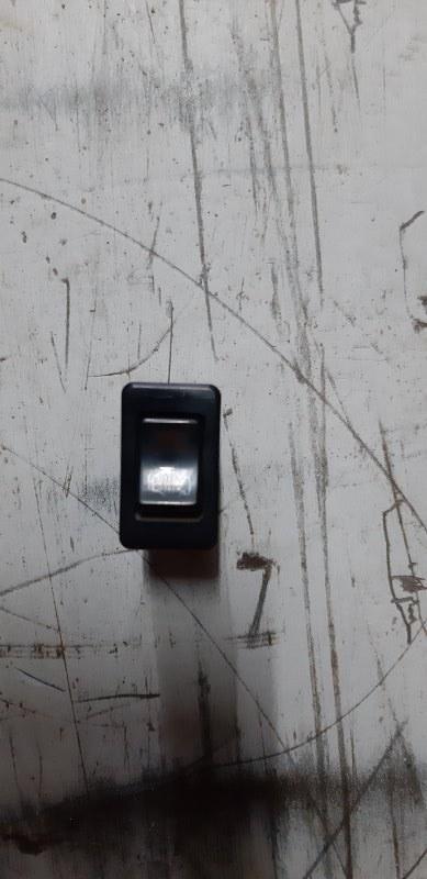 Кнопка прогрева двигателя Mitsubishi Fuso Canter FE305B 4D32 1992