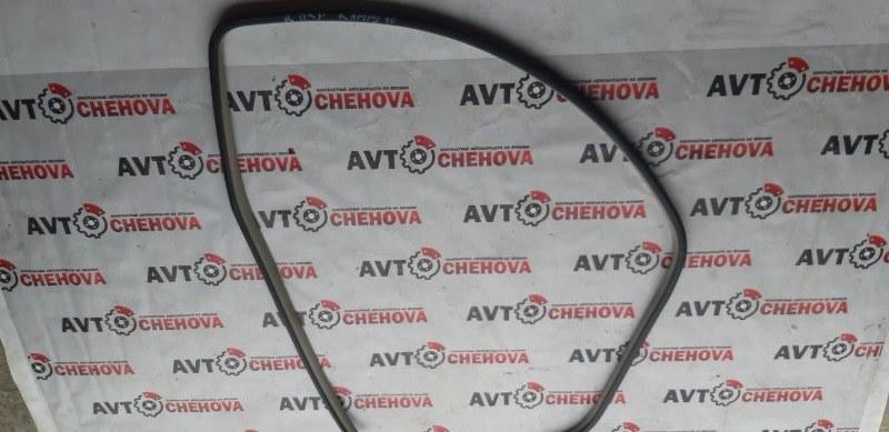 Уплотнитель двери Toyota Camry ACV40-3007762 2AZFE 2006 передний правый