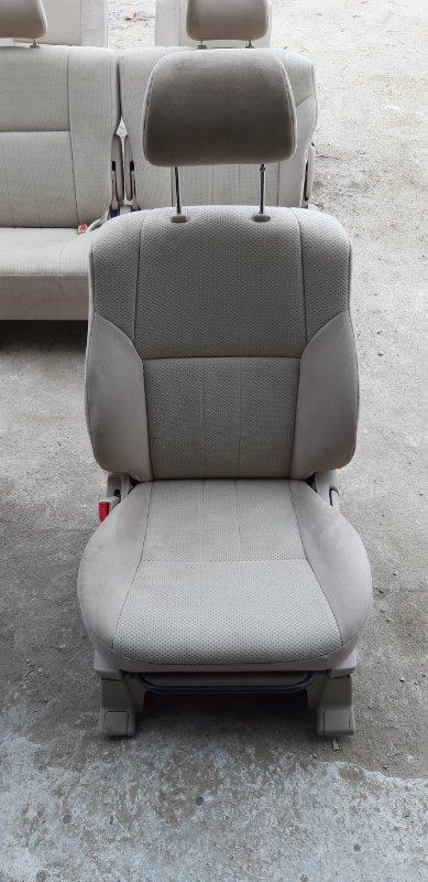 Сиденье Toyota Ipsum SXM15-7010989 3S-FE 2000 переднее левое