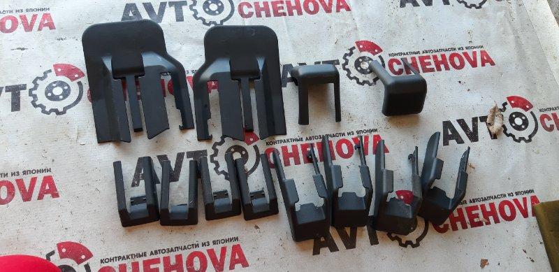 Крышка петли сиденья Nissan Tiida C11-315040 HR15 2009