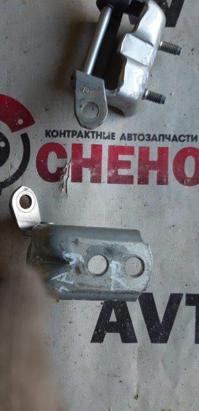 Крепление двери Nissan Tiida Latio SC11-204318 HR15 2009 заднее правое
