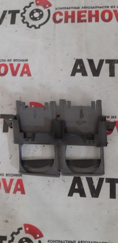 Подстаканник Toyota Ipsum SXM10-7121673 3S-FE 1999