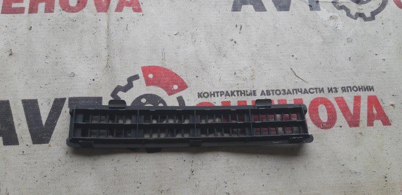 Крышка номера кузова Nissan Tiida Latio SC11-258742 HR 15 2010