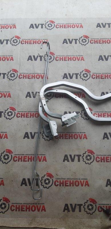 Крепление крышки багажника Nissan Tiida Latio SC11-258742 HR 15 2010