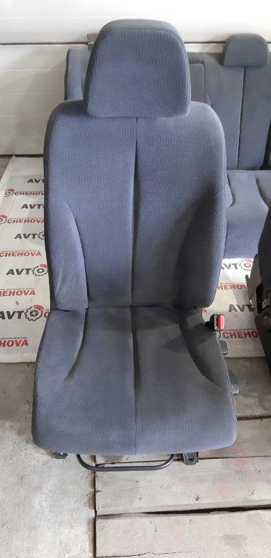 Сиденье Nissan Tiida Latio SC11-258742 HR 15 2010 переднее правое