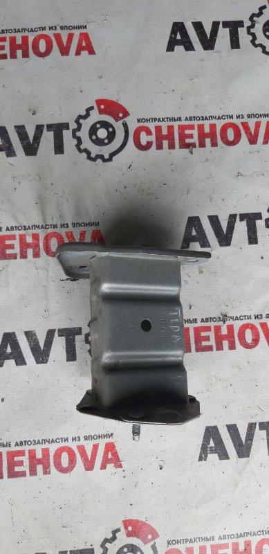 Крепление жесткости бампера Nissan Tiida Latio SJC11-029718 MR18DE 2008 переднее правое