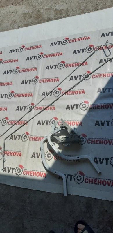 Крепление крышки багажника Toyota Allion ZRT265-3007836 2ZR-FE 2008