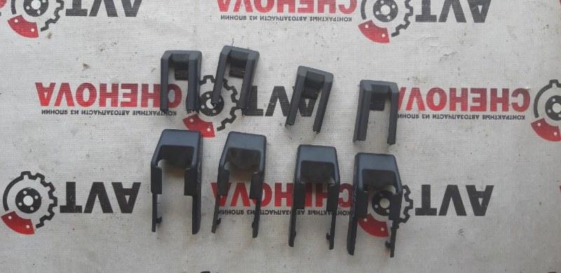 Крышка петли сиденья Nissan Tiida Latio SC11-254158 HR15 2010