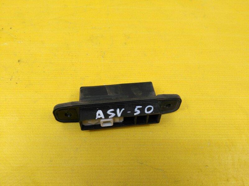 Кнопка открывания багажника Toyota Camry ASV50 2AR-FE 2012