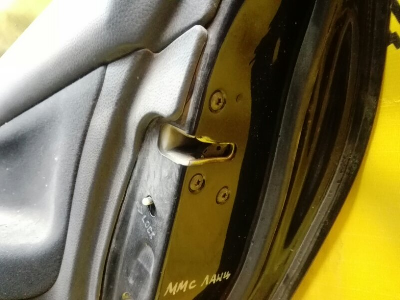 Замок двери Mitsubishi Lancer CS1A 4G18 2006 задний правый