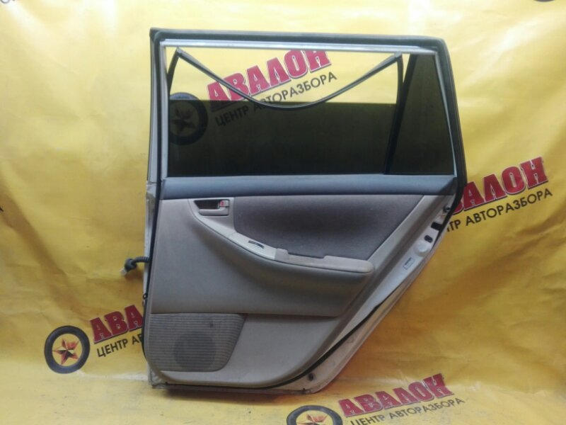 Обшивка двери Toyota Corolla Fielder NZE121 1NZ-FE 2001 задняя правая