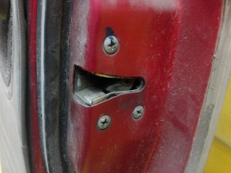 Замок двери Nissan Datsun BMD21 TD27 1993 задний правый