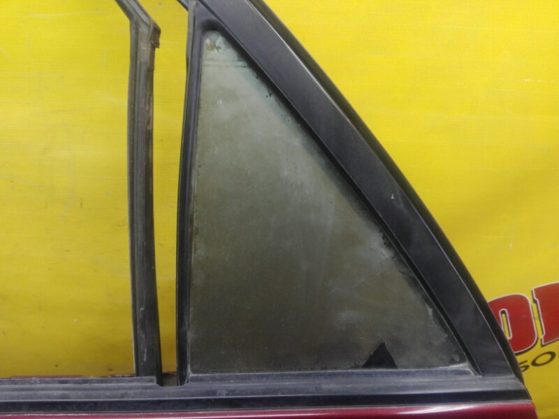 Форточка двери Toyota Harrier MCU15 1MZ-FE 2000 задняя левая