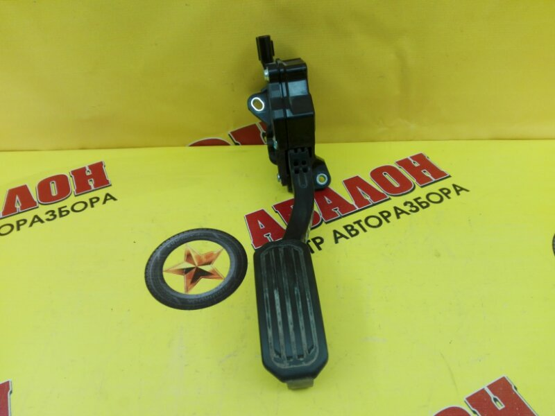 Педаль газа Toyota Camry ASV50 2AR-FE 2012