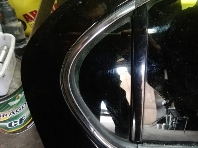 Форточка двери Nissan Cefiro A33 VQ20DD 1995 задняя правая