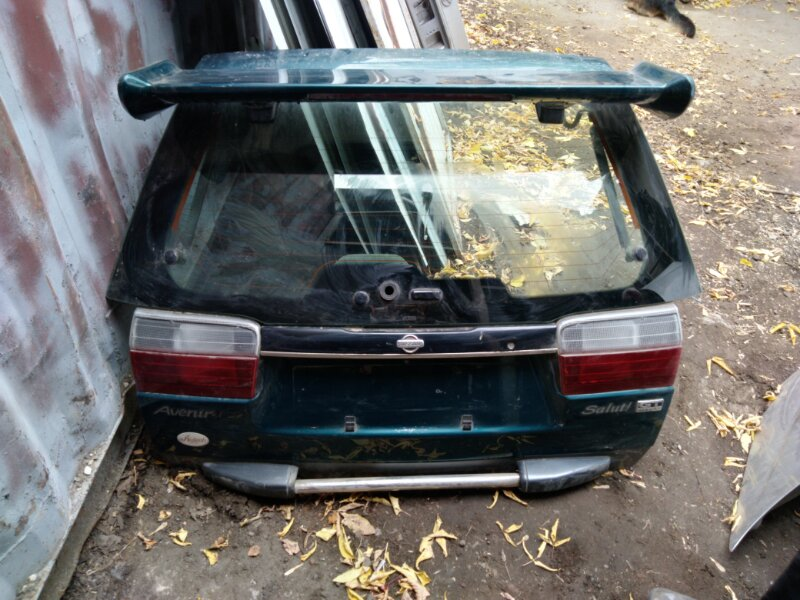 Дверь 5-я Nissan Avenir Salut PNV10 SR20DET 1998