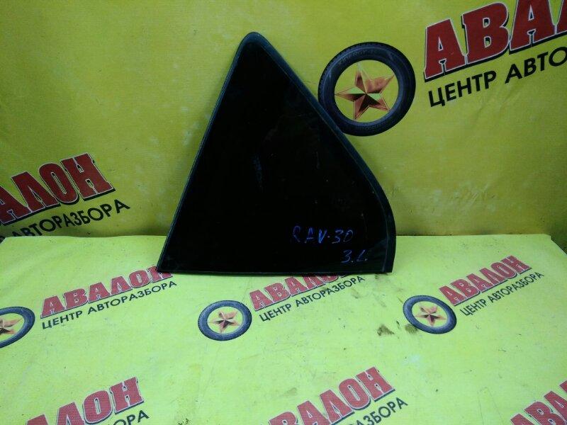 Стекло собачника Toyota Rav4 ACA31 левое