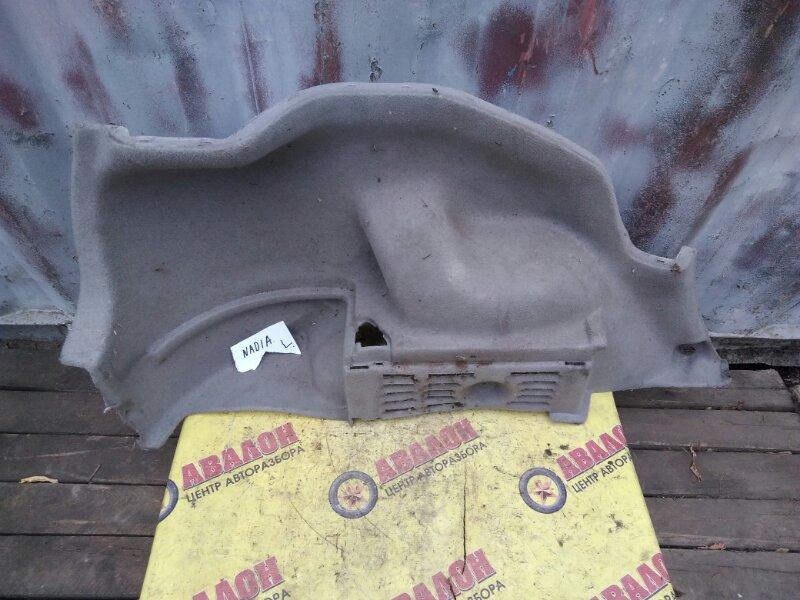 Обшивка багажника Toyota Nadia ACN10 левая