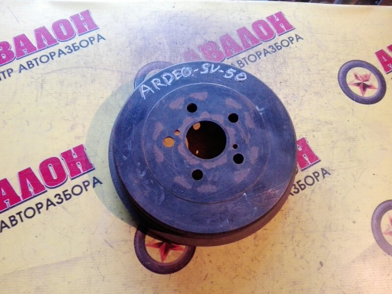 Тормозной барабан Toyota Vista Ardeo SV50 1ZZ-FE 2000 задний