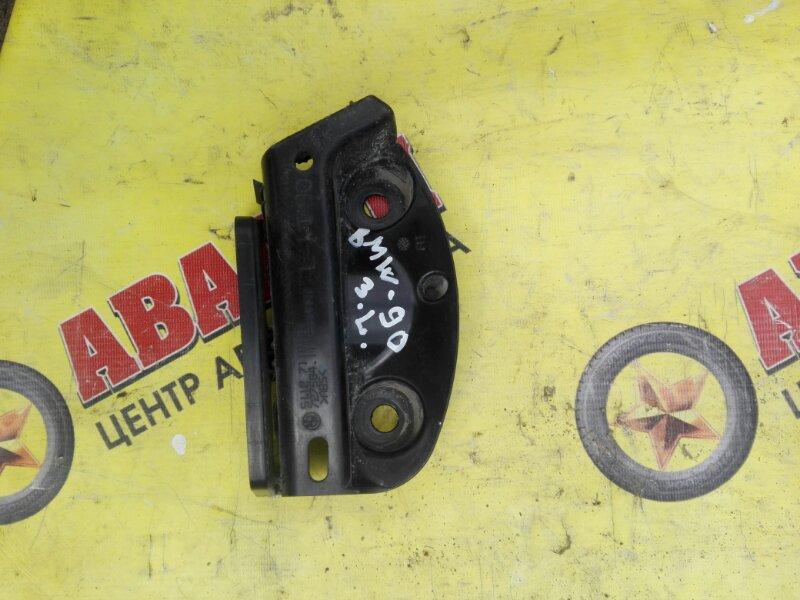 Клипса бампера Bmw 323 E90 N46B20 2006 задняя левая