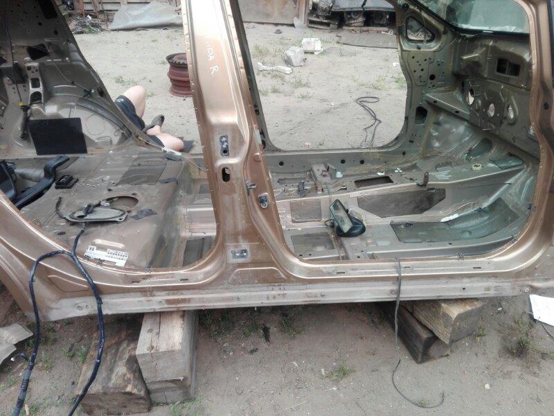 Порог кузова Nissan Tiida SC11 HR16DE 2008 правый