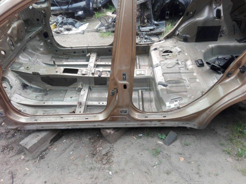 Порог кузова Nissan Tiida SC11 HR16DE 2008 левый