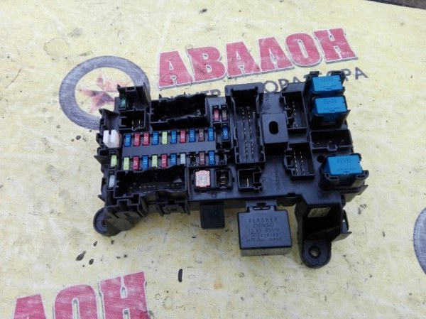 Блок предохранителей салонный Suzuki Grand Vitara TD54W J20A 2009