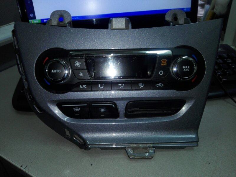 Блок управления климат-контролем Ford Focus 3 CB8 IQDB 2013
