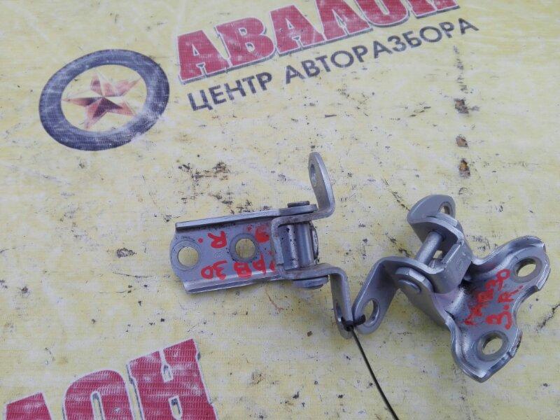 Петли на дверь Toyota Rav4 ZSA30L 3ZR-FE 2010 задние правые