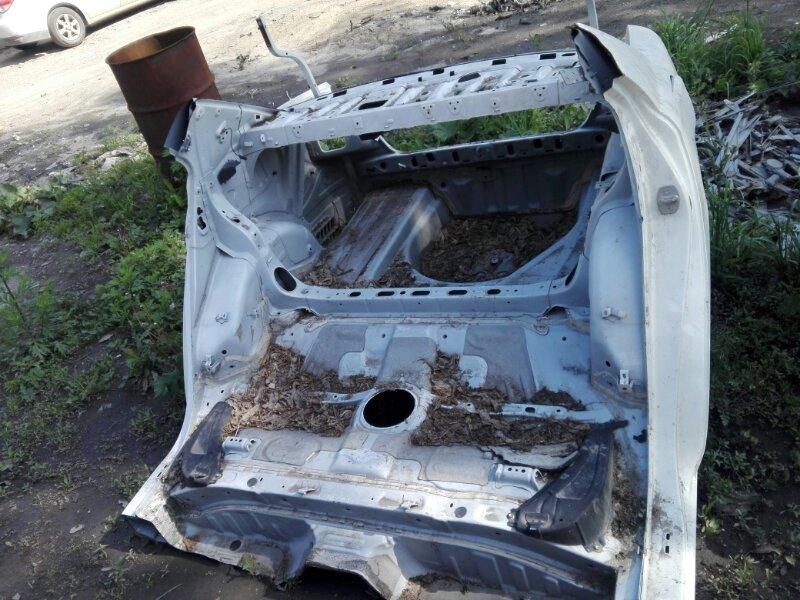 Задняя часть автомобиля Toyota Allion ZZT240 1ZZ-FE 2004