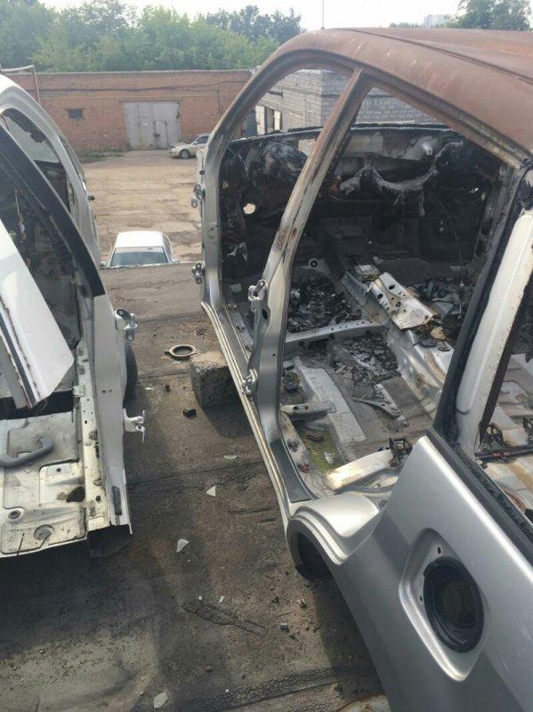 Порог кузова Toyota Rav4 ACA21 левый