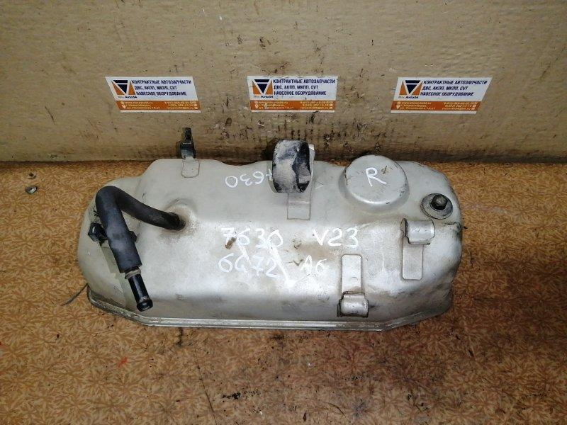 Клапанная крышка Mitsubishi Pajero V23C 6G72 правая
