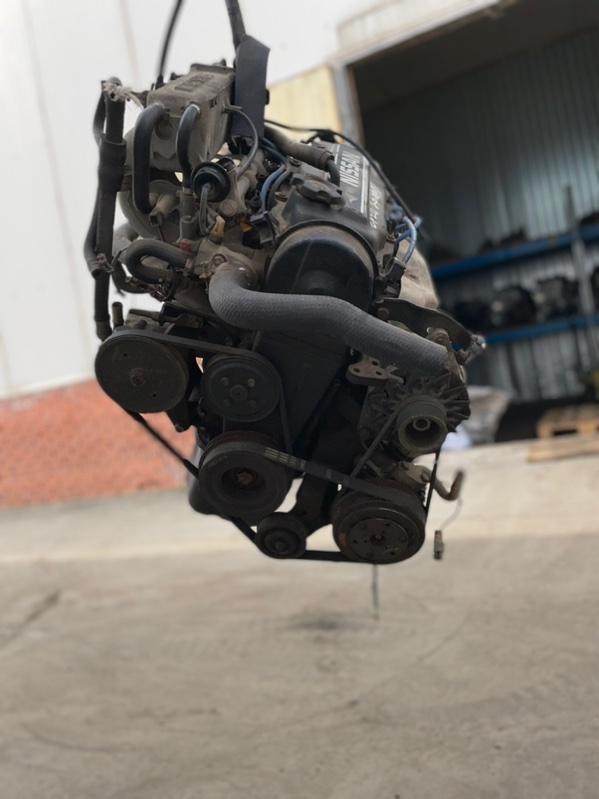 Двигатель Nissan Prairie CA20