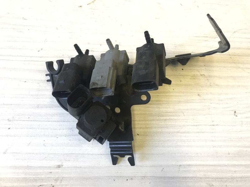 Электромагнитный клапан Audi A7 2012