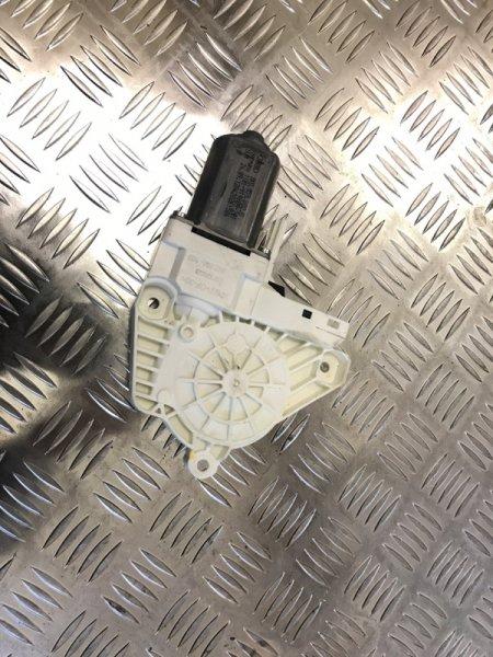 Моторчик стеклоподъемника Audi Q5 CNC 2014 передний правый