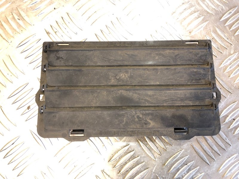 Жалюзи радиатора, решетка вентиляционная Porsche Cayenne Turbo S 957 4.8 2009