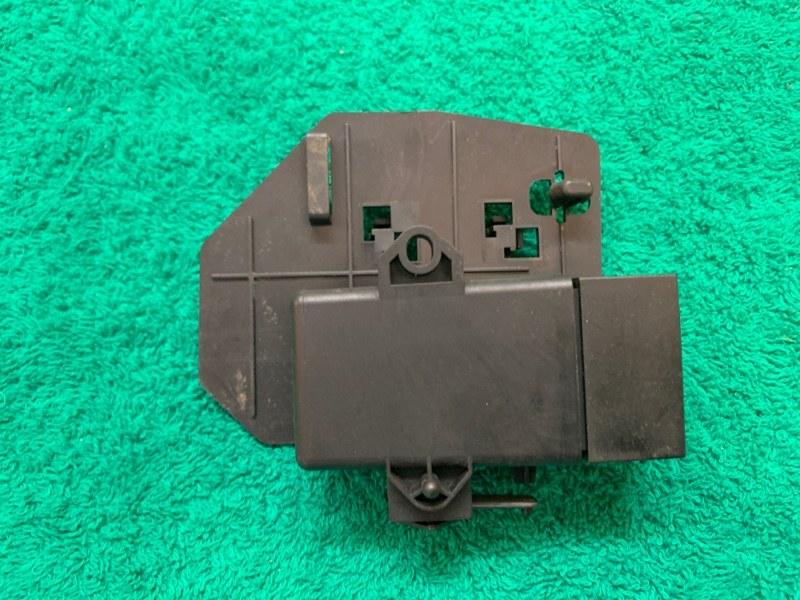 Блок управления подогрева сиденья Volkswagen Touareg NF CRC 3.0D 2014