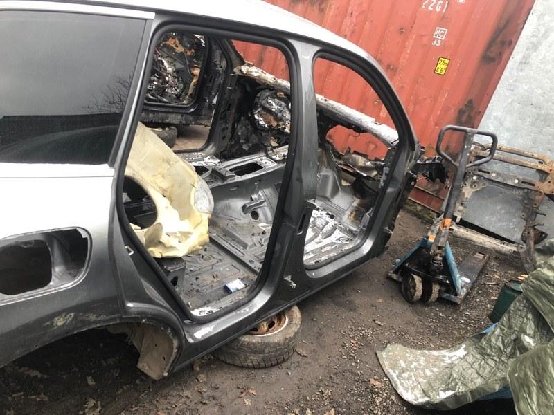 Порог со стойкой Volkswagen Touareg NF CRC 3.0D 2014 правый