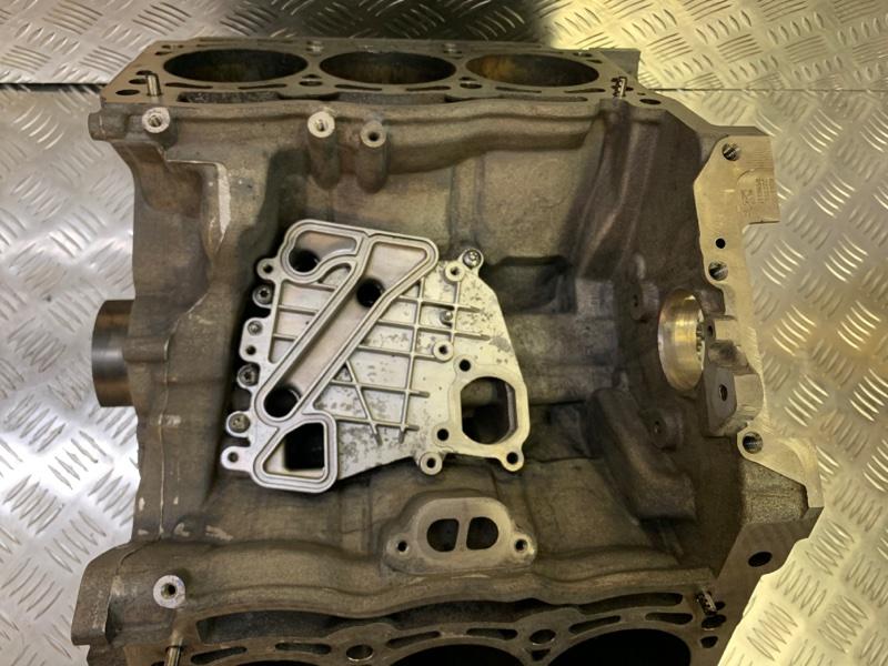 Блок двигателя vag crc Volkswagen Touareg NF CRC 3.0D 2014