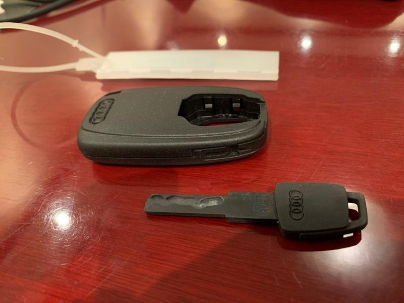 Ключ зажигания Audi A5 Sportback 8T CNC 2014