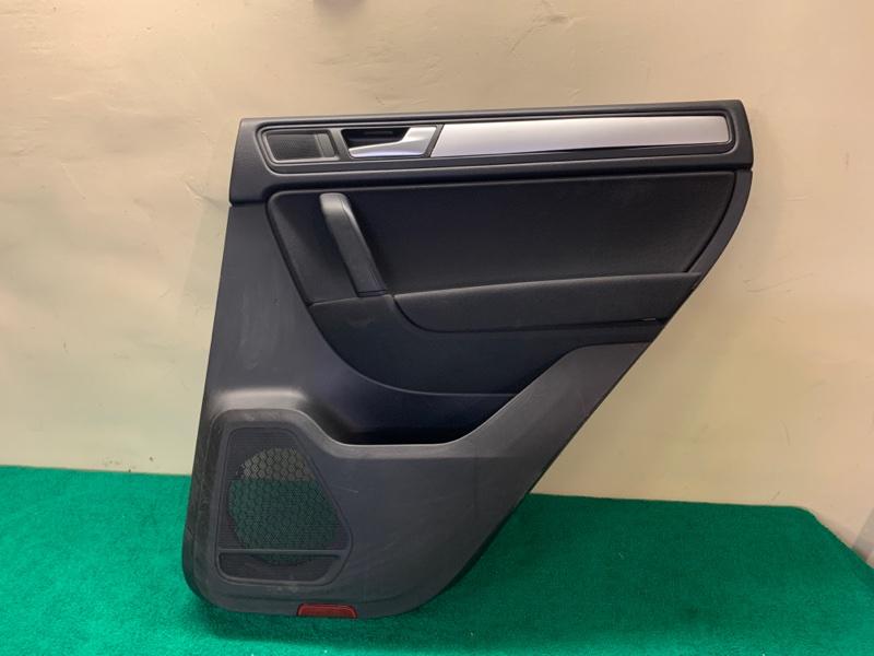 Обшивка двери Volkswagen Touareg NF 3.6 2013 задняя правая